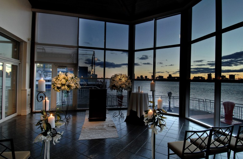 Chelsea pier lighthouse for Unusual wedding venues nyc